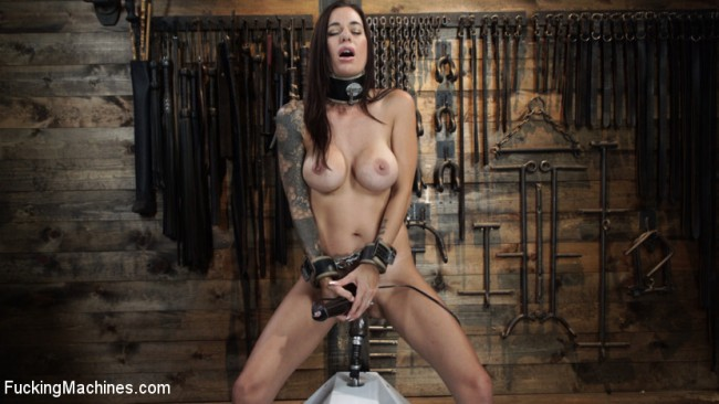 Gia Dimarco - Queen Bee Is Tied Up And Robot Fucked