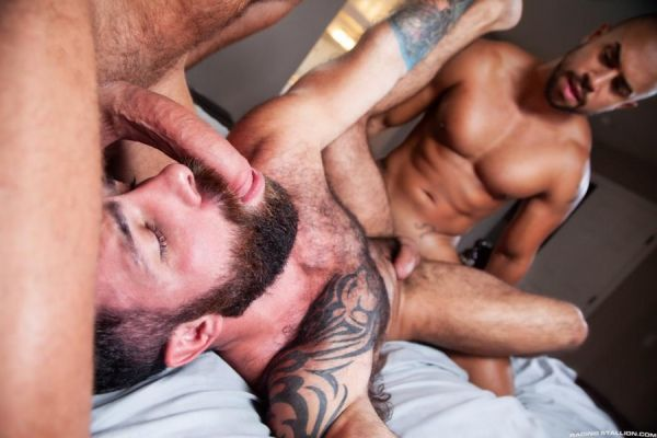 RagingStallion - Loaded - Give It To Me Raw! - Wade Wolfgar, Jake Nicola, Julian Grey