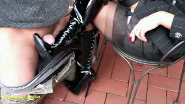 Bootjob In New Boots
