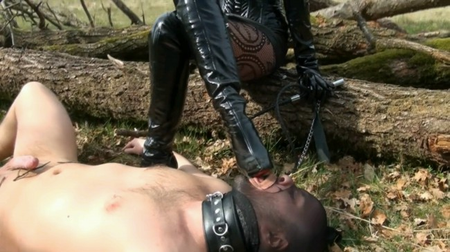 Fetish Diva Nadia - Boot Worship