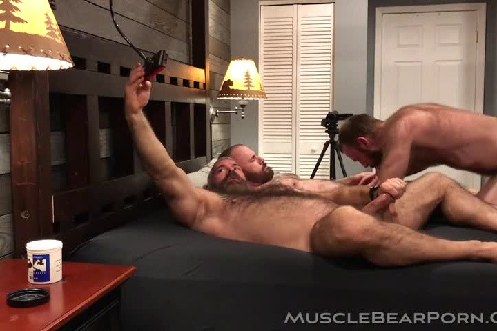 MuscleBearPorn - 2 Daddies and a Furry Boy