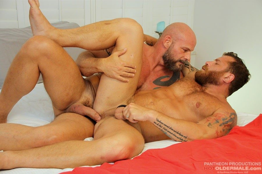 HotOlderMale - AJ Marshall and Riley Mitchell Flip Fuck - Riley Mitchell, AJ Marshall