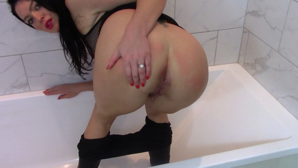 Evamarie88 - Mommy Farts and Shits in Bathtub (2019 / FullHD 1080p)