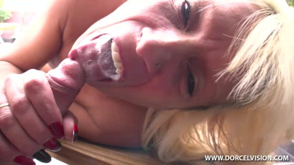 Mature French Mom Loves Anal Fucking!