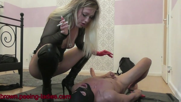 Kinky Lisa - Shit Spit Pee Vomit in Toilet Mouth (2020 / HD 720p)