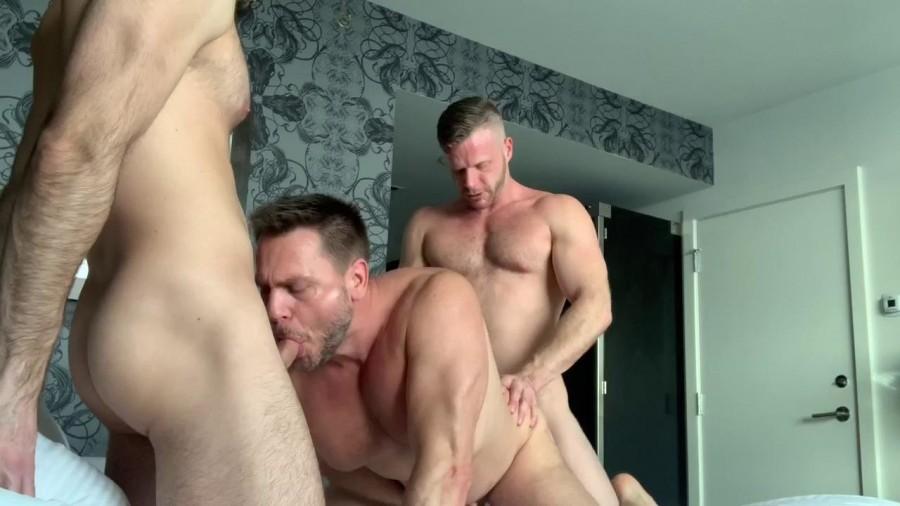 RawFuckClub - Brian Bonds & Mason Lear - Threeway with Hans Berlin