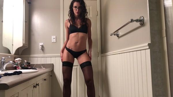 Tina Amazon - Glasses Thigh Highs Super Long Turd (2020 / 4K 2160p)