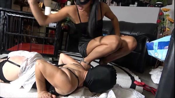 Mistress Gaia - My female slave shitting in diaper (FullHD 1080p)