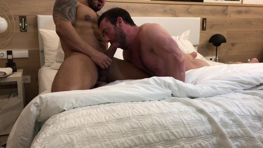 RawFuckClub - Viktor Rom & Mike Gaite - The American Bottom jumps on my Cock