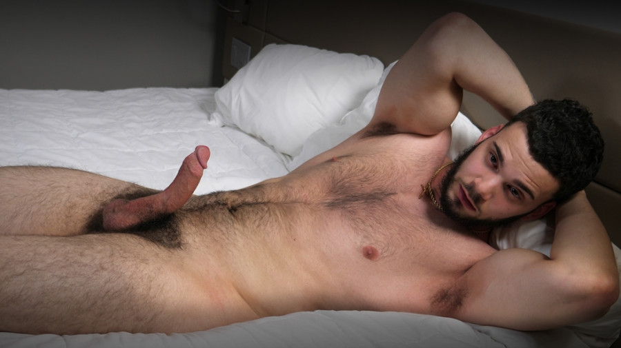 TheGuySite - Carlos - Hairy Man Rubs One Out