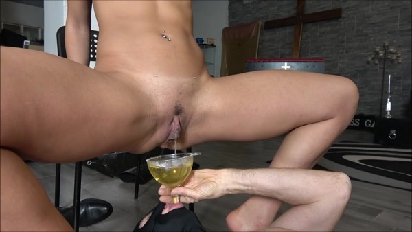 Mistress Gaia - Piss And Enema For My Personal Slave (2020 / FullHD 1080p)
