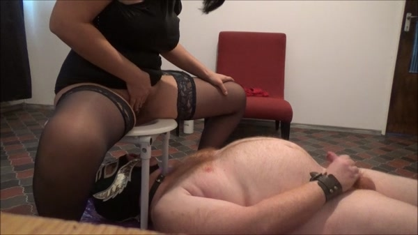 Mistress Roberta - Eat all my shit slave (2020 / HD 720p)