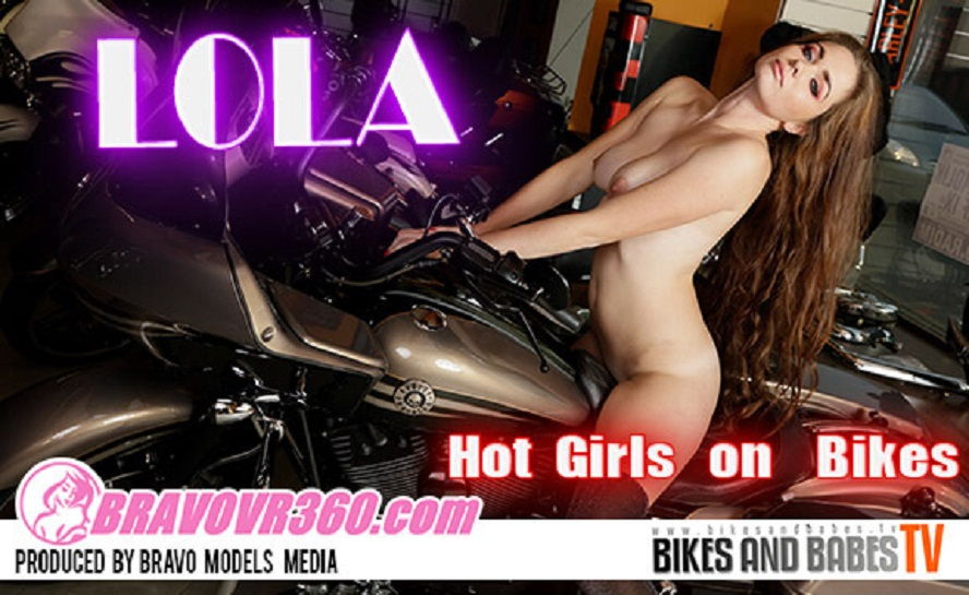 Leggy Redhead Gets Naked on Her Bike, Lola 2, Apr 03, 2017, 3d vr porno, HQ 1920