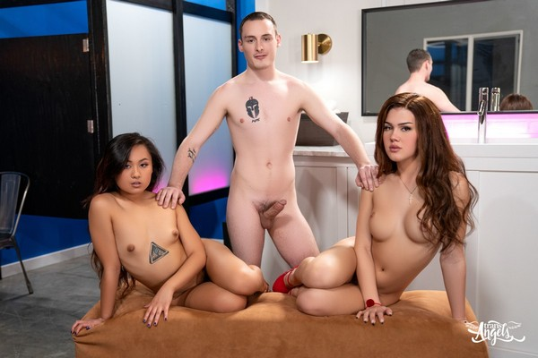 Elle Voneva, Daisy Taylor, Josh Cannon - A Very Hot Frost Glass (FullHD 1080p) Cover