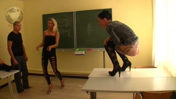 Lady Chantal - Dirty Game in der Mädchenschule (HD 720p)