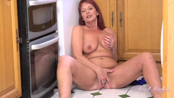 Beau - Masturbates In The Kitchen To Memories (2020 / FullHD 1080p)