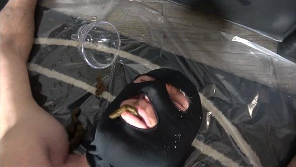 Mistress Gaia - A clumsy toilet slave (2020 / FullHD 1080p)