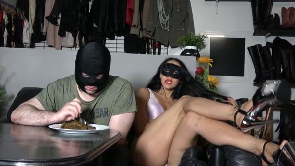 Mistress Gaia - Eating a mountain of shit (2020 / FullHD 1080p)