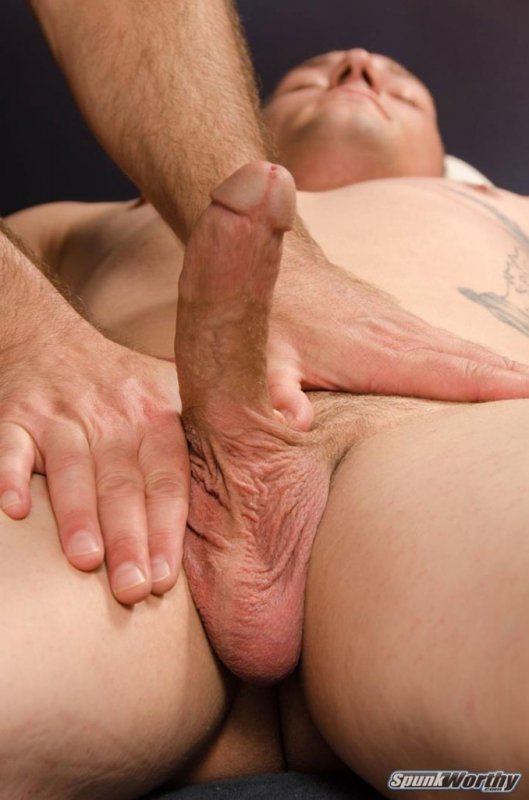 SpunkWorthy - Muscle-bound Avery's full-body rub down