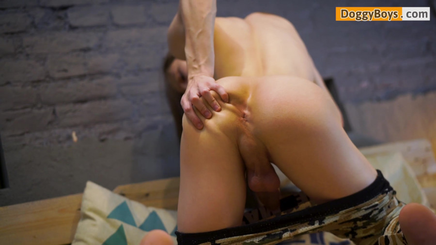DoggyBoys - Twink Fingering With Dennis Boer