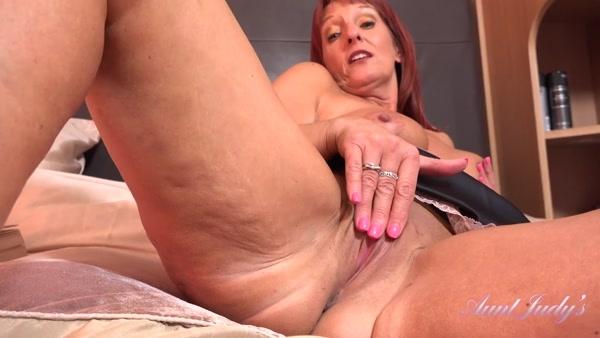 Beau - Masturbating With Auntie Beau POV (FullHD 1080p) Cover