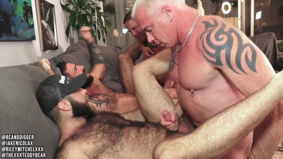 OnlyFans - Riley Mitchel, RC (Ryan Carter), Digger, Teddy Bear, Jake Nicola - Muscle Daddy Orgy Fuckfest