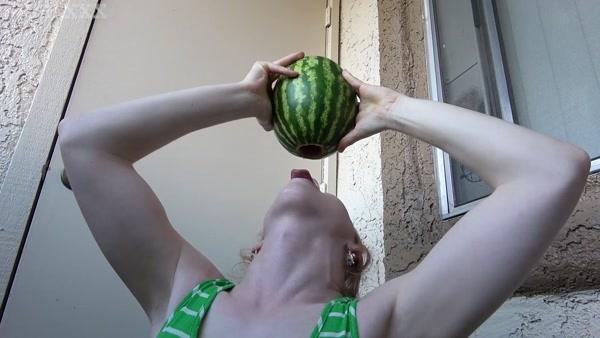 Shiri Loves Fucking Fruit (FullHD 1080p)