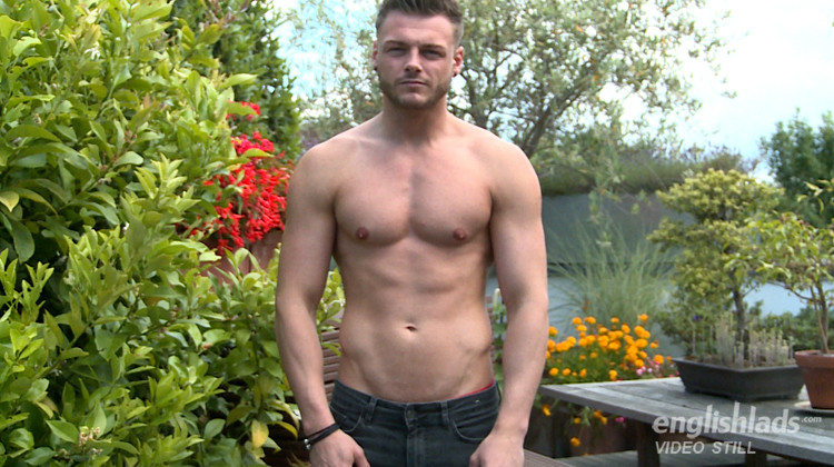 EnglishLads - Straight Hunk Tyler Shows his Massive Uncut Cock, Wanks and Shoots Big!