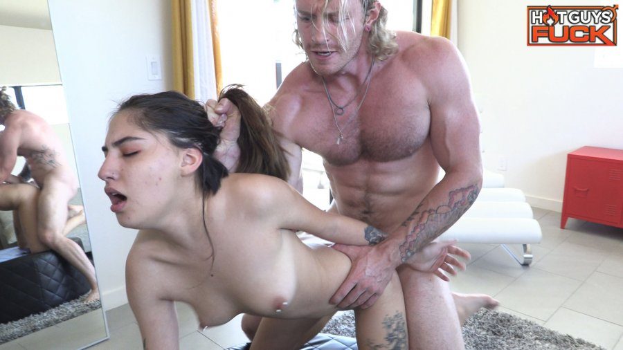 HotGuysFuck - Buff Surfer Stud Sage Hardwell Man Handles Petite Veronica Mendoza