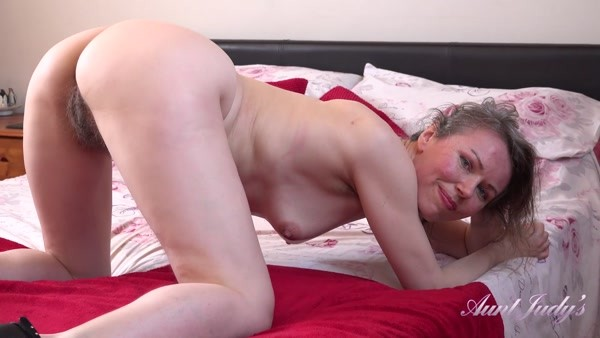 Alexia - Plays For You In Bed (2020 / FullHD 1080p)