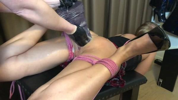 Siswet19 and Mistress Noir - Big Long Huge Anal Dildo and Double Fisting [ManyVids.com / OnlyFans.com / 2020 / SD 480p]