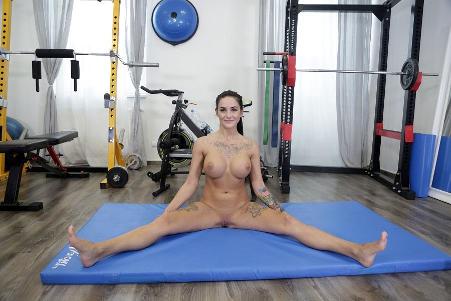 Great Reward after a Morning Naked Training, Barbie Esm, Jul 13, 2020, 3d vr porno, HQ 3000