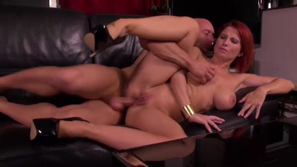 Julie Valmont - Hot Milf Doesn't Mind Anal Fuck!