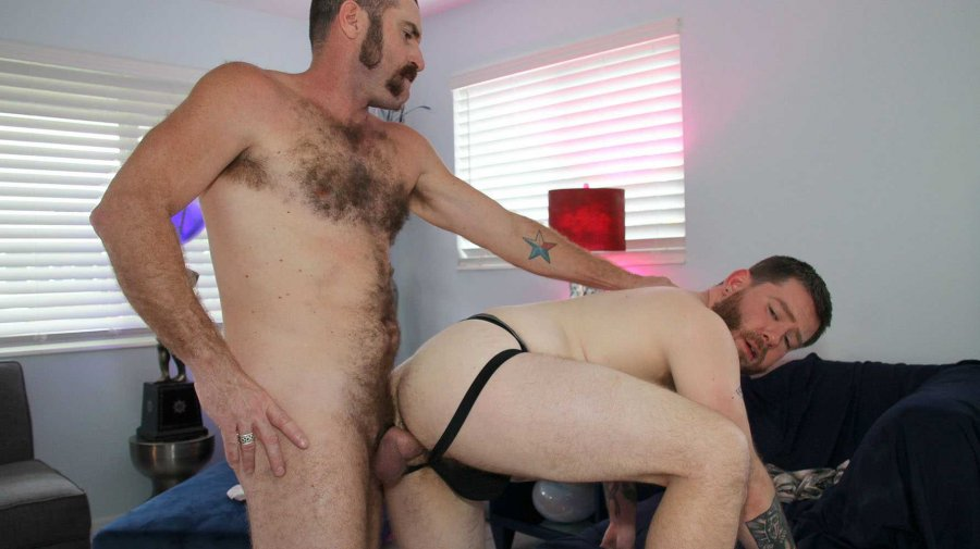 HotOlderMale - Redneck Rendezvous - Kaleb Dewulf and Daddy Zach Maxwell