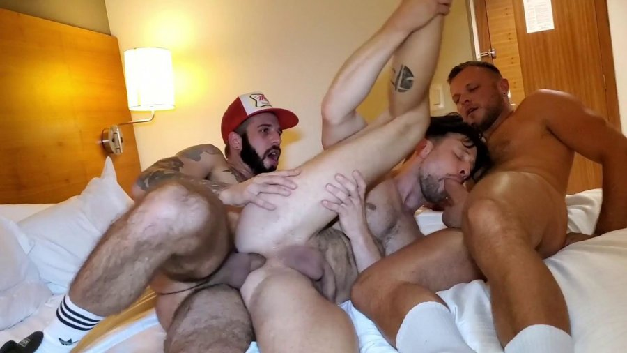 RawFuckClub - Hot 3 Way in Calgary part2 with Wade Wolfgar & Drew Dixon