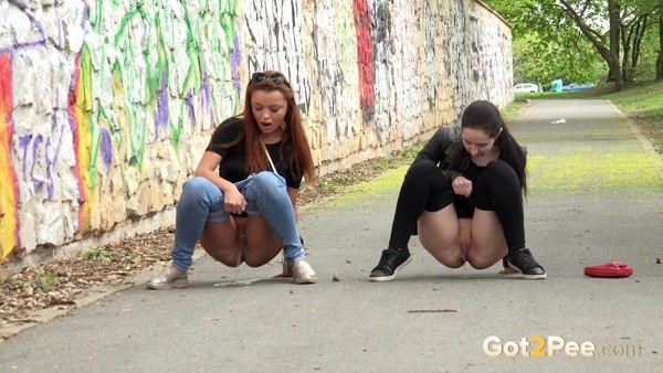 Beauties piss together in a public place! [FullHD 1080p]