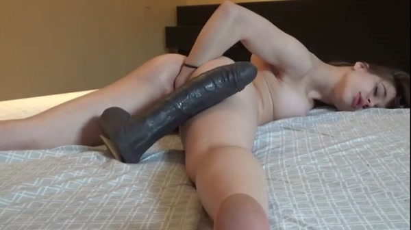 Horny Pretty girl fists and fucks herself [SD 480p]