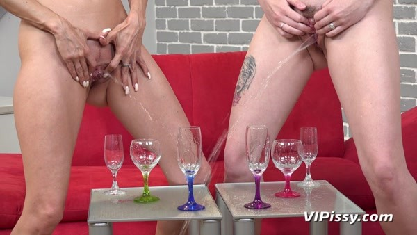 Amanda Hill and Cynthia Vellons - Piss In Mouth - Wake Up Cynthia [FullHD 1080p]
