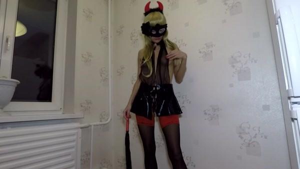 Mistress Emily - Scat Devil [HD 720p]