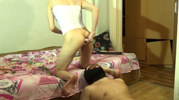 Mistress Janet - Morning Home Diarrhea with janet Scat Slave [FullHD 1080p]
