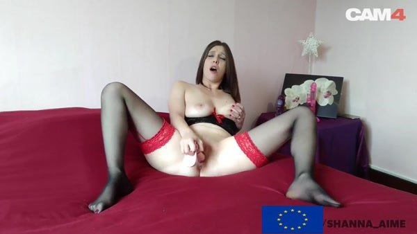 Horny Sexy Brunette MILF with Natural Tits Fists her Pussy (FullHD 1080p)