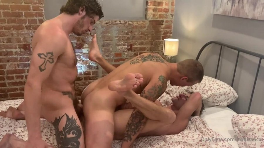 Isaac X, Taylor Reign and Ty Roderick