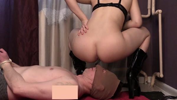 Princess Mia - My Toilet slavery [FullHD 1080p]