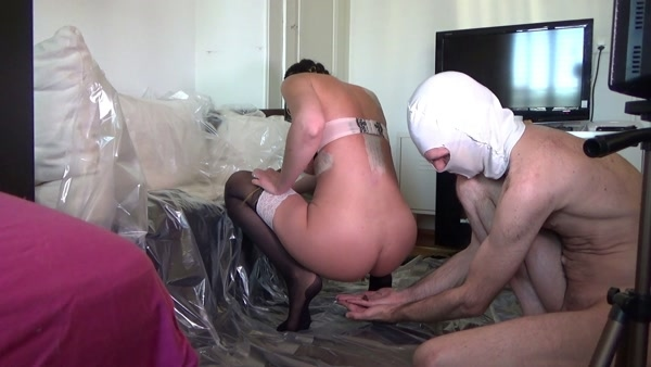 Mistress Lila - Shit in hands [FullHD 1080p]