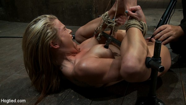 Aiden Aspen - BDSM and Bondage - Tiny 5'3 100lbs Southern Peach is so cute, innocent We rip orgasm after orgasm out of this co-ed (HD 720p)