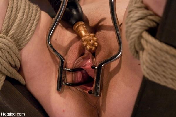 Seda - BDSM, Bondage and Fuck Machine (HD 720p)