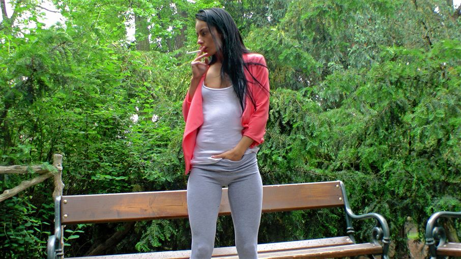 Exotic Hottie Pisses Herself In The Park - Cam 2