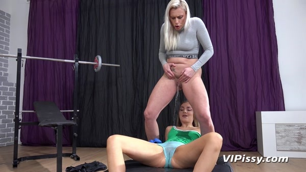 Brittany Bardot, Puppy - Lesbian pissing and pussy licking - Pissy Workout (FullHD 1080p)