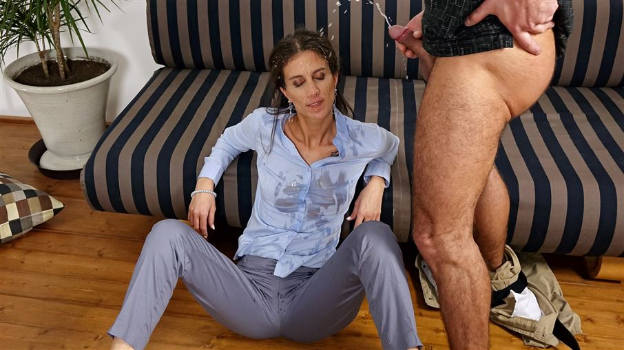 Professioanls Piss Play The Fully Clothed Way