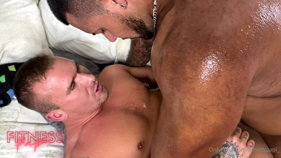OnlyFans - Fitness Papi - Buckle Up (Fitness Papi x Isaac X)